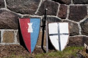 Repliki uzbrojenia średniowiecznego podczas realizacji gry temtyycznej